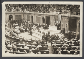 Photograph of the House Chamber in 1922 without microphones and loudspeakers.