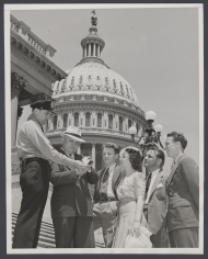 Capitol Visitors Speak with a Capitol Police Officer