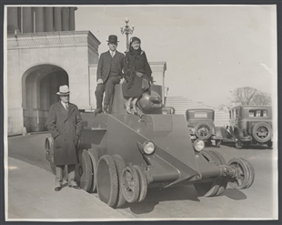 World's Fastest Tank Demonstrated Before Congressmen at the Capitol