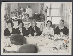 Speaker's Wife Gives Luncheon for Capital Newspaperwomen