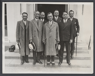 Filipino Delegation Confers with Roosevelt