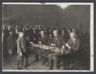 Nine Year Old Polish Chess Wizard Challenges Champions of the Three Political Parties of Congress